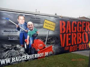 Protestbanner gegen Braunkohle-Abbau in der Lausitz